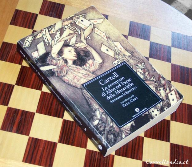 Copertina libro Alice paese meraviglie Oscar Mondadori